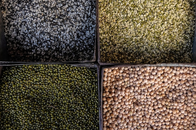 Samen und bohnen auf dem markt