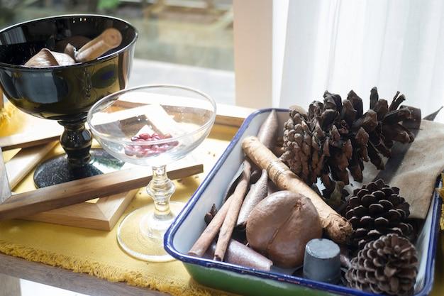 Samen und trockene kräuter raumdekoration