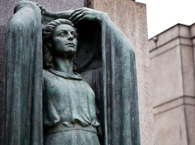 Sammlung der schönsten und bewegendsten architekturbeispiele auf europäischen friedhöfen