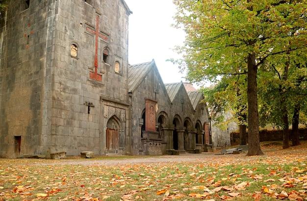 Sanahin-kloster im herbst, unesco-weltkulturerbe in der provinz lori, armenien