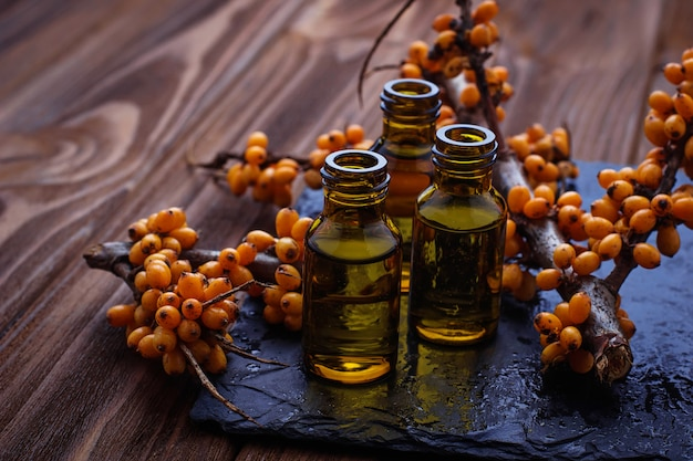 Sanddornöl in kleinen flaschen