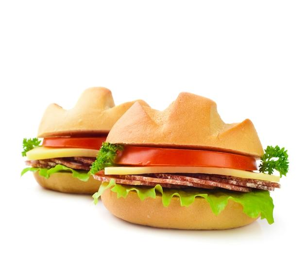 Sandwichnahaufnahme auf einem weiß