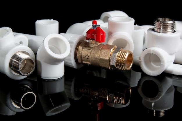Sanitärarmaturen für kunststoff-pvc-rohre und sanitär-kugelhähne