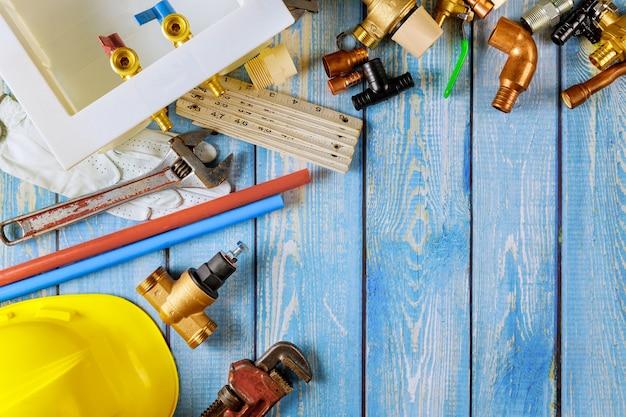 Sanitärausrüstung haus der hand, die rohre repariert wasserversorgungskit-werkzeugschlüssel