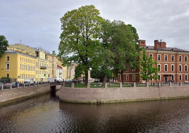 Sankt petersburg russland09012020 new holland island blick von der khrapovitsky-brücke