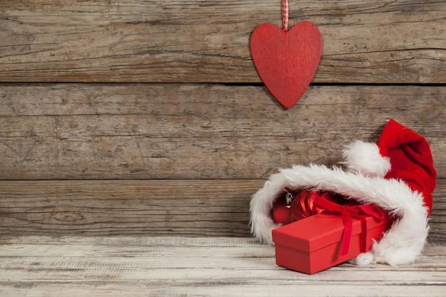 Sankt tasche mit geschenken nach innen