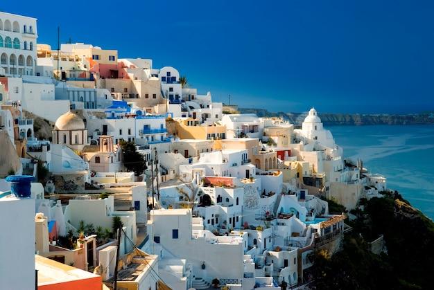 Santorini, thera, griechenland, ägäis, ägäis, stadt auf dem seeweg