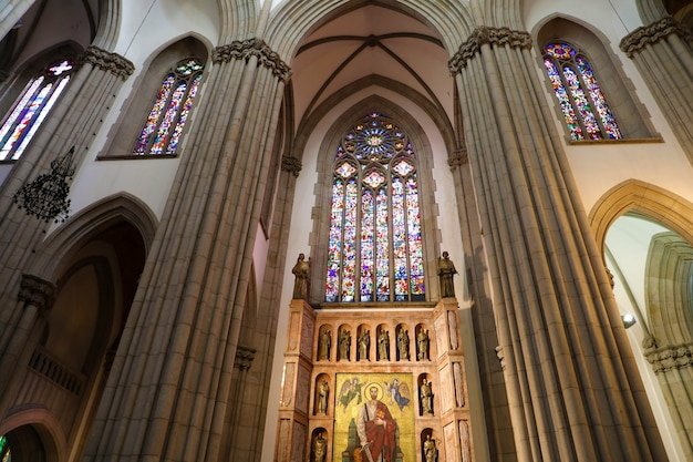Sao paulo, brasilien - 9. mai 2019: innenraum der kathedrale von sao paulo (catedral da se de sao paulo), sao paulo, brasilien