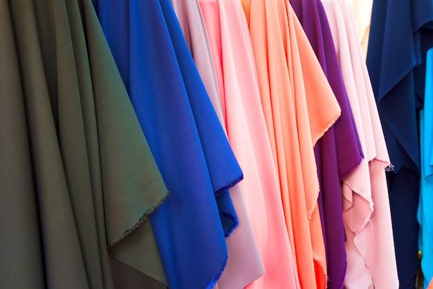 Satin hat viele farben