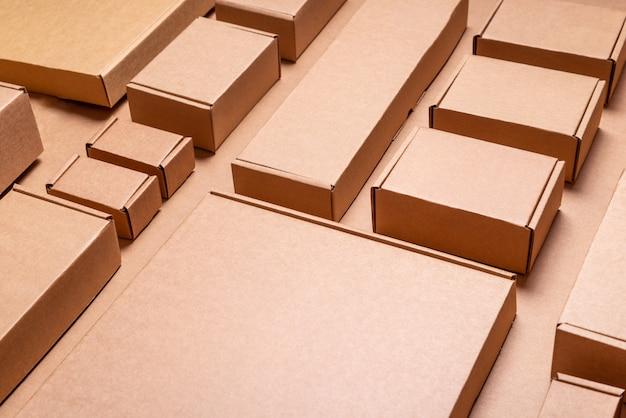 Satz braune bastelkartons, hintergrund