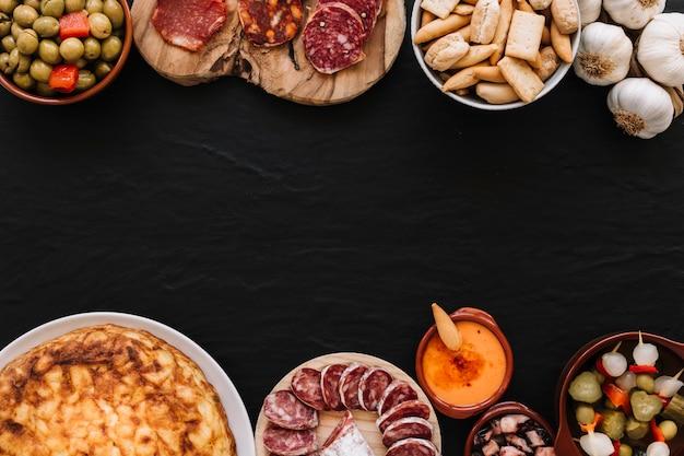 Satz köstliches lebensmittel und soße