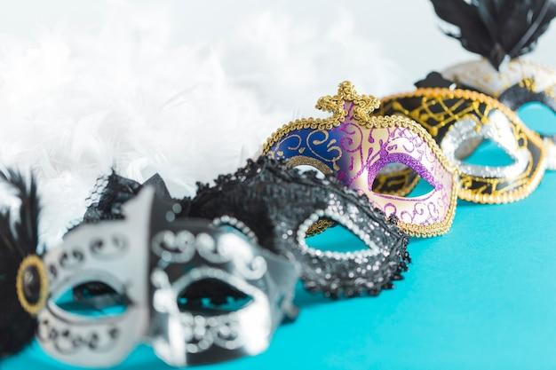 Satz masken nahe federn