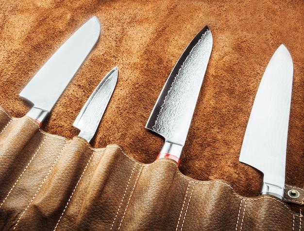 Satz professionelle kochwerkzeuge. spezialkoffer für kochmesser. sicht von oben