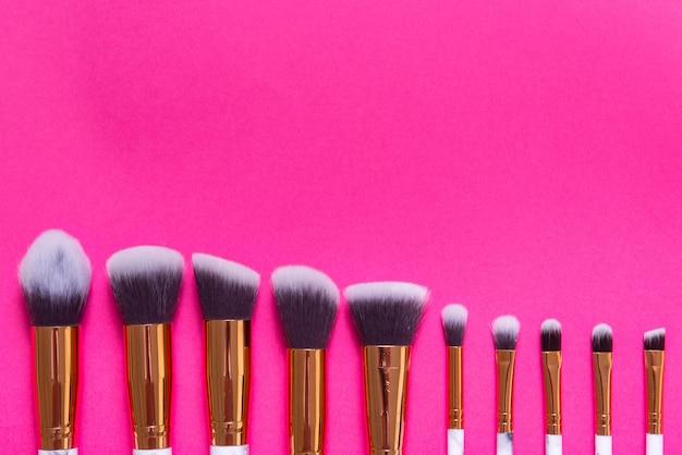 Satz professionelle make-up-pinsel