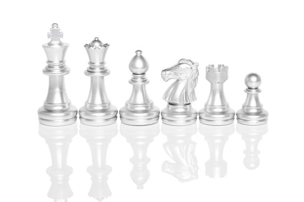 Satz schachfiguren, schachbrettspiel lokalisiert auf weißem background.clipping-pfad.