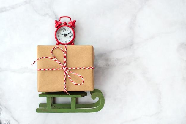 Satz verschiedene weihnachtsdekorationen lokalisiert