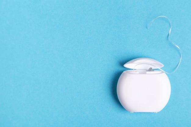 Satz von zahnärztlichen instrumenten konzept der zahnpflege
