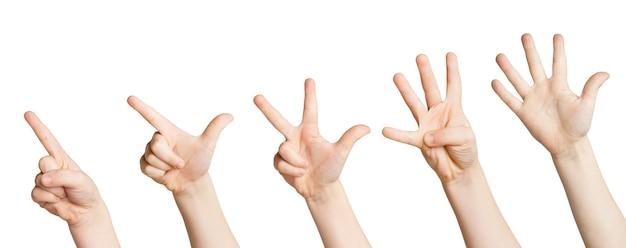 Satz weiße kinderhände, die zahlen zählen