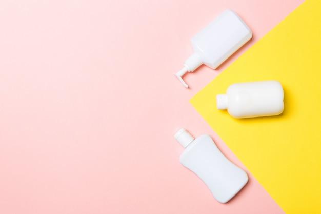 Satz weiße kosmetikbehälter