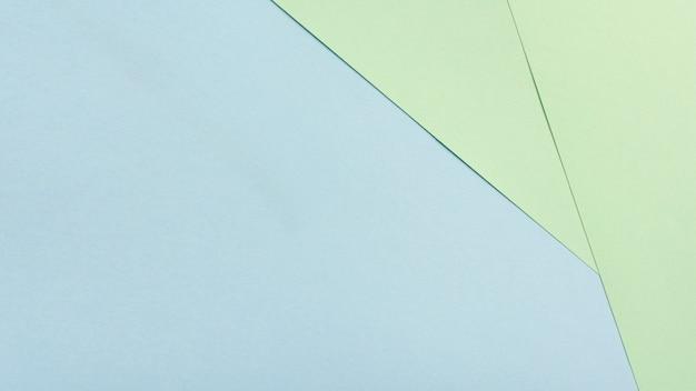 Satz zweifarbige pappblätter mit kopienraum