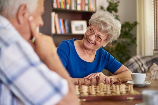 Schach spielen ist eine gute art der entspannung