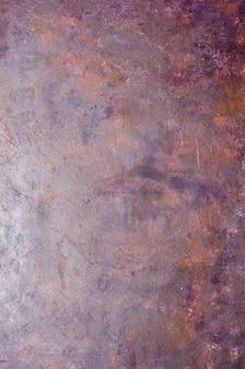 Schäbiger alter violetter metallhintergrund mit beschaffenheit.