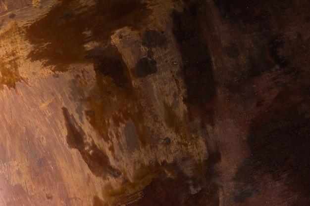 Schalenfarbe auf einem alten bretterboden
