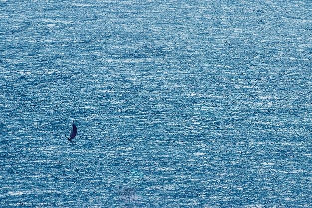 Schaum blauer hintergrund einsam tapete