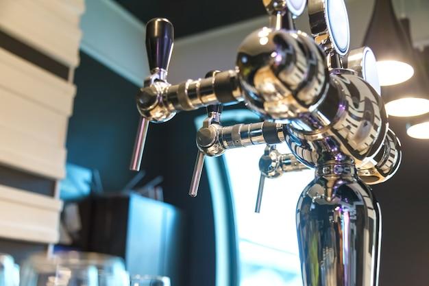 Schaumdefogger zum abfüllen von bier in der bar