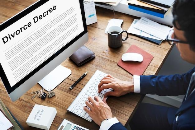 Scheidungsvereinbarungsdekret dokument aufbrechen konzept