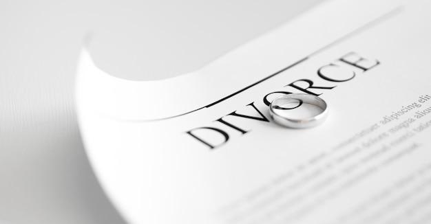 Scheidungsvertrag mit ringen