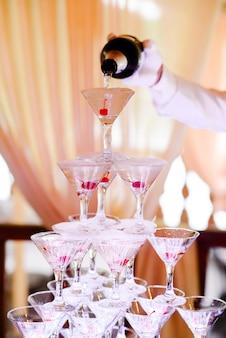 Schieben sie mit champagner.