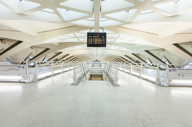 Schiene valencia metro underground reise