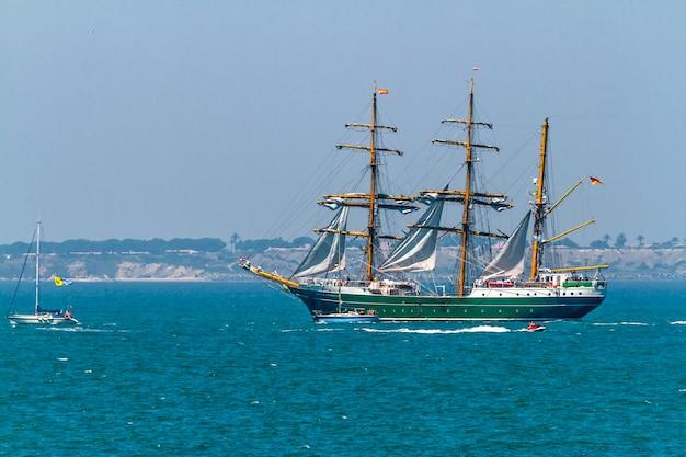Schiff alexander von humboldt ii