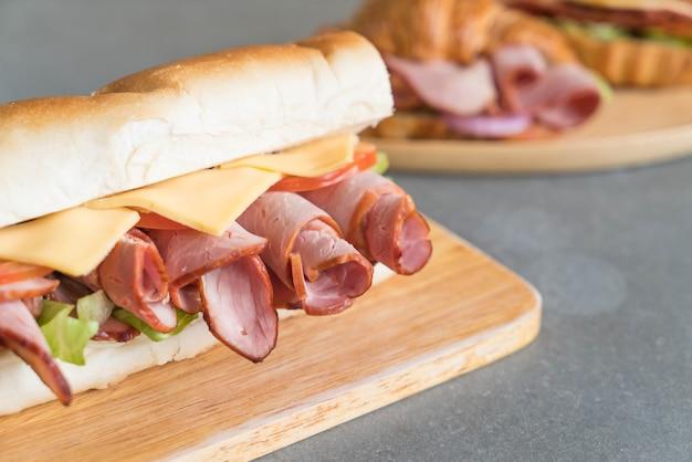 Schinken- und salat-u-boot-sandwich