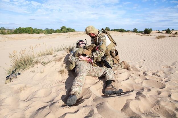 Schlachtfeldmedizin in der wüste