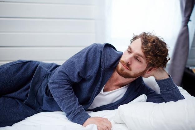 Schlafloser mann