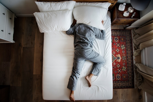 Schlaflosigkeit und lärmbelästigungskonzept