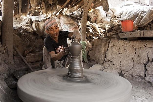 Schlamm bhaktapur ton rad arbeit