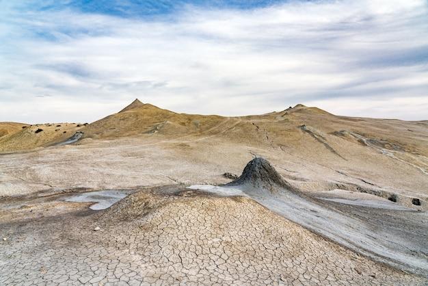 Schlammvulkanlandschaft, naturphänomen
