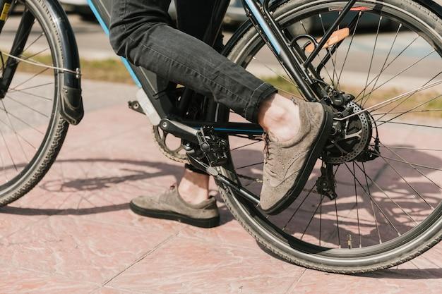 Schließen sie den unteren teil des e-bikes