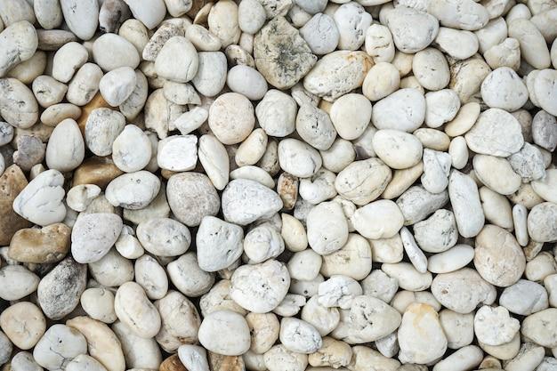 Schließen sie eine sammlung von weißen kieselsteinen
