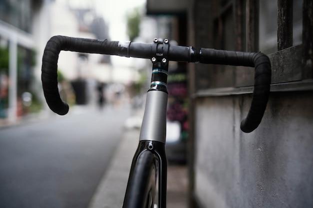 Schließen sie fahrrad im freien
