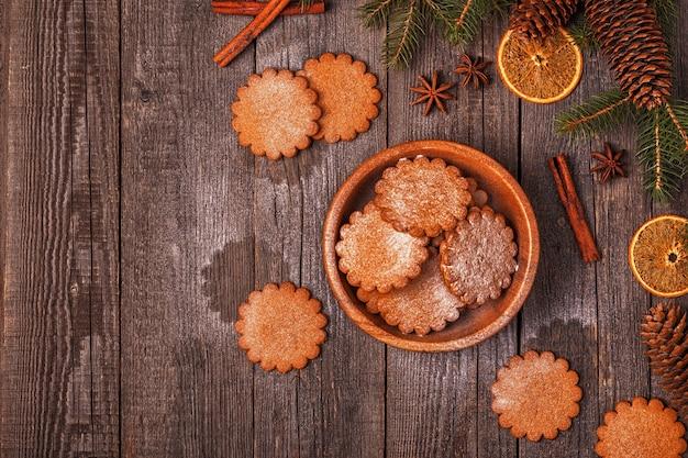 Schließen sie oben auf verschiedenen weihnachtsdekoration mit keks