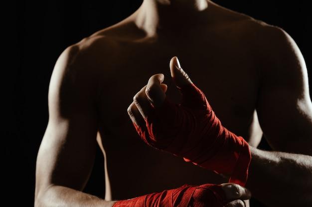 Schließen sie oben boxer, der hände verbindet