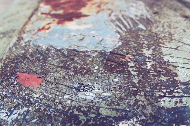 Schließen sie oben von rostigem weinlese altem auto des details