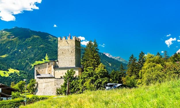 Schloss bideneck im dorf fliess - inn inn, tirol, österreich