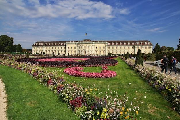 Schloss und park in ludwigsburg, deutschland