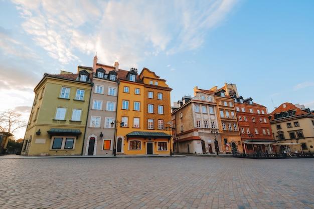 Schlossplatz oder plac zamkowy in warschau, polen