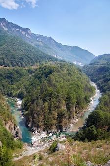 Schlucht des flusses tara in montenegro